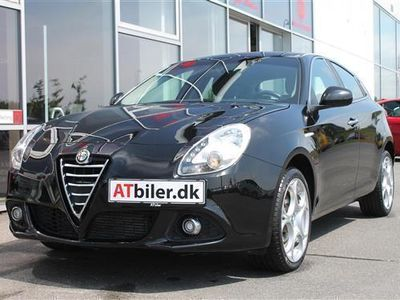 käytetty Alfa Romeo Giulietta 2,0 JTDM Distinctive 150HK 5d 6g