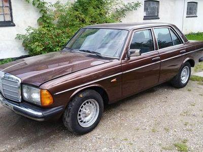 brugt Mercedes 250 2,5 4 dørs