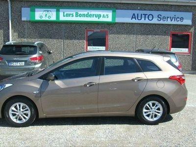 used Hyundai i30 1,6 CRDi 110 Premium CW