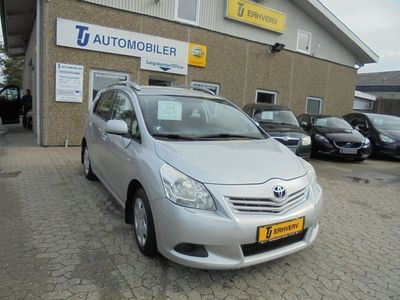gebraucht Toyota Sportsvan 2,0 D-4D T2