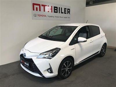 usata Toyota Yaris Hybrid 1,5 B/EL Premium E-CVT 100HK 5d Trinl. Gear