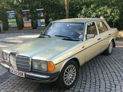 brugt Mercedes 200 300 (W123) 2 0