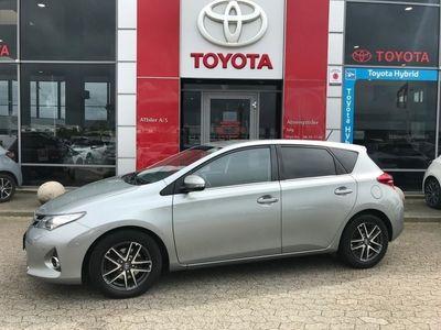gebraucht Toyota Auris 2,0 D-4D DPF T2 Premium 124HK 5d 6g