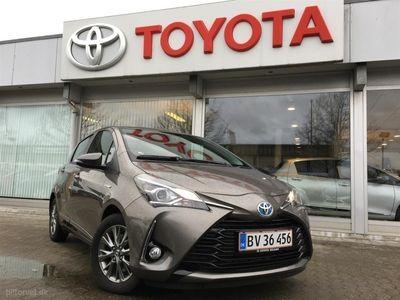usado Toyota Yaris Hybrid 1,5 B/EL Premium E-CVT 100HK 5d Trinl. Gear