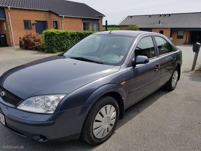 usata Ford Mondeo 1,8 Ambiente 110HK 5d