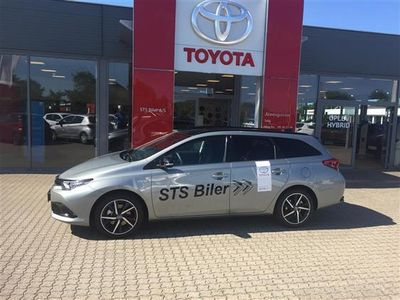 second-hand Toyota Auris Touring Sports 1,8 B/EL Prestige 136HK Stc Aut.