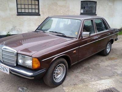 brugt Mercedes 200 300 (W123) 250 2,5