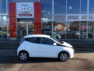 used Toyota Aygo 1,0 VVT-I X-Play + Touch 69HK 5d