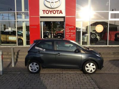 used Toyota Aygo 1,0 VVT-I X-Play + Touch 69HK 3d