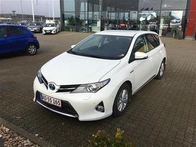 gebraucht Toyota Auris 1,8 VVT-I H2+ E-CVT 136HK 5d Aut.