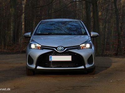 brugt Toyota Yaris Hybrid 1,5 B/EL E-CVT 100HK 5d Trinl. Gear