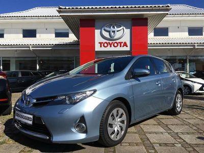 brugt Toyota Auris 1,4 D-4D DPF T2 90HK 5d 6g