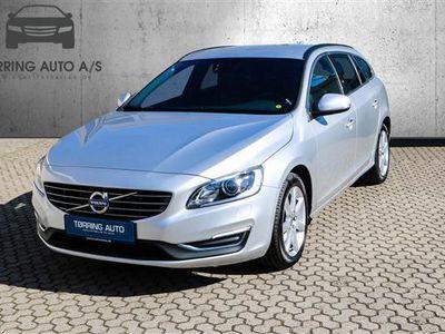 brugt Volvo V60 2,0 D4 Momentum 190HK Stc 8g Aut. - Personbil - sølv