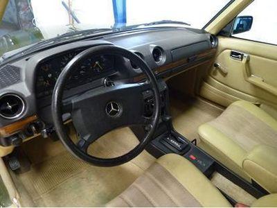 E280 – Køb Mercedes E280 brugt – billige biler til salg - AutoUncle