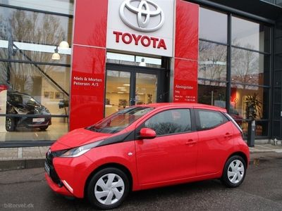 käytetty Toyota Aygo 1,0 VVT-I X-Play + Touch 69HK 5d