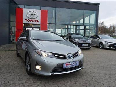 brugt Toyota Auris Hybrid 1,8 VVT-i H2 Premium Touring Sport E-CVT 136HK Stc