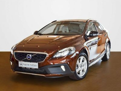 gebraucht Volvo V40 CC 2,0 D2 120 Summum aut.