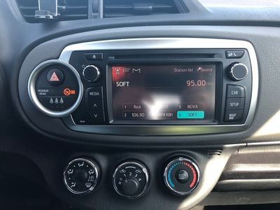 usata Toyota Yaris 1.3 99 HK Multidrive S