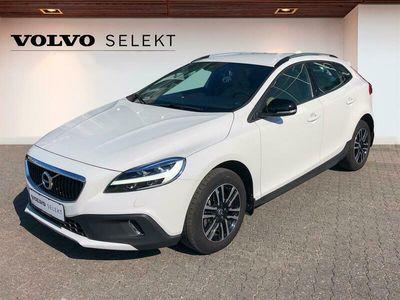 brugt Volvo V40 CC 2,0 T3 Momentum 152HK Stc 6g