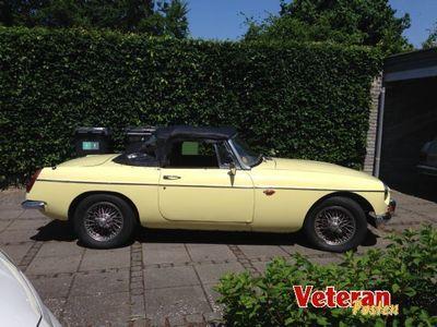 brugt MG B Roadster, primrose gul