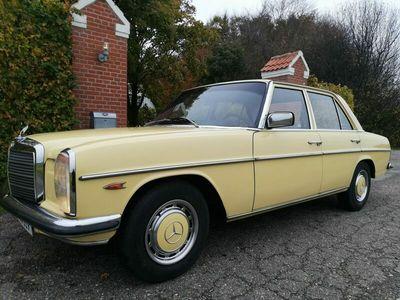 brugt Mercedes 200 230 (W115) 220D