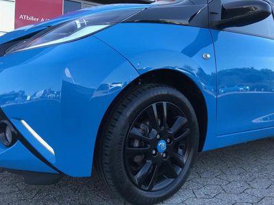 brugt Toyota Aygo 1,0 VVT-I X-Cite X-Shift 69HK 5d Aut. A+