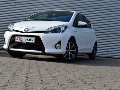 brugt Toyota Yaris Hybrid 1,5 VVT-I H2 E-CVT 100HK 5d Aut.