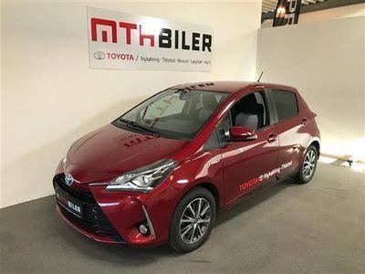 käytetty Toyota Yaris Hybrid 1,5 B/EL Premium E-CVT 100HK 5d Trinl. Gear
