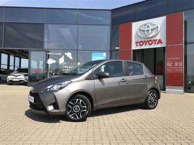 brugt Toyota Yaris Hybrid 1,5 B/EL Safety Sense E-CVT 100HK 5d Trinl. Gear