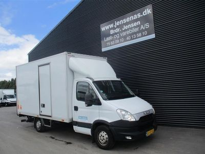 brugt Iveco Daily 35S13 2,3 D Alu.kasse m/lift 126HK Ladv./Chas. 2013
