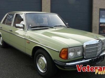 brugt Mercedes 200 W123Benzin