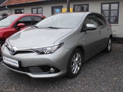 brugt Toyota Auris Hybrid 1,8 VVT-I Premium Comfort E-CVT 136HK 5d Aut.