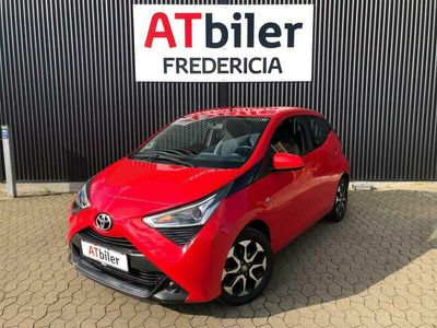 brugt Toyota Aygo 1,0 VVT-I X-play + Connect 72HK 5d A+++