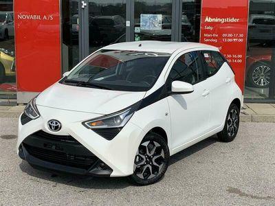 brugt Toyota Aygo 1,0 VVT-I X-play + Go-pakke 72HK 5d A++