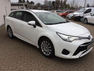 brugt Toyota Avensis Touring Sports 1,6 D-4D T1 112HK Stc 6g