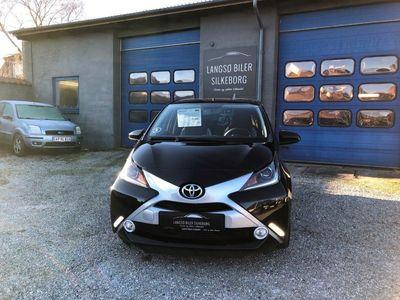 second-hand Toyota Aygo 1,0 VVT-i x-black