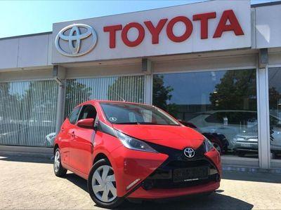 gebraucht Toyota Aygo 1,0 VVT-I X-Play 69HK 5d