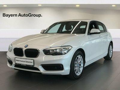gebraucht BMW 118 i 1,5 Connected aut.