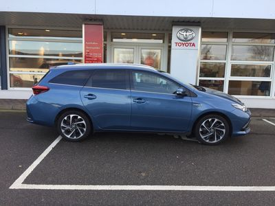 brugt Toyota Auris Hybrid Touring Sport 1,8 B/EL Style TS 136HK 5d