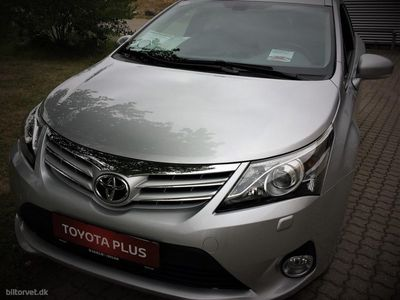 begagnad Toyota Avensis Touring Sports 2,0 D-4D T3 143HK Stc 6g