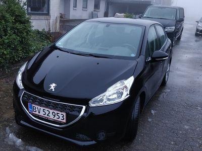 usata Peugeot 208 1,4 HDi 5-D
