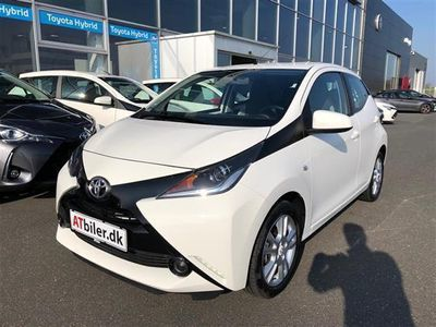 brugt Toyota Aygo 1,0 VVT-I X-Play + Touch 69HK 3d