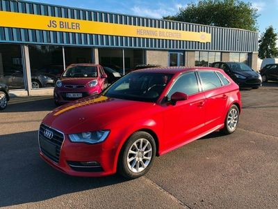 usado Audi A3 Sportback 1,6 TDi 110 Ultra Attraction