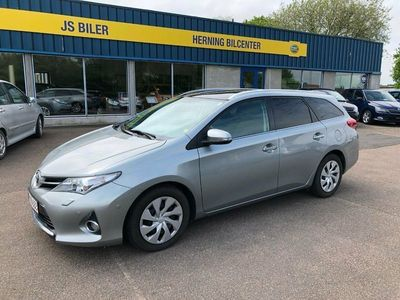 used Toyota Auris 2,0 D-4D T2+ TS Skyview