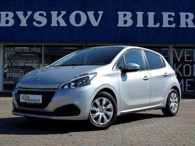 gebraucht Peugeot 208 1,6 BlueHDi 100 Envy