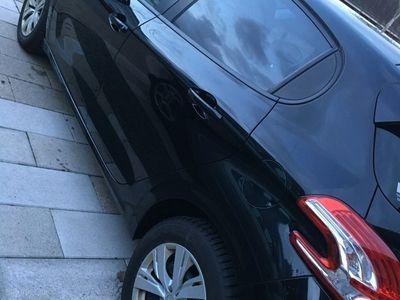 usata Peugeot 208 1,6 e-HDi Active 92HK 5d