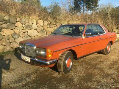 brugt Mercedes 200 300 (W123) 230
