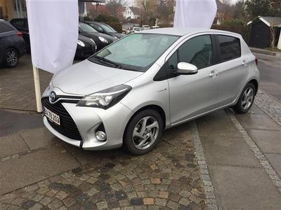 brugt Toyota Yaris Hybrid 1,5 B/EL Premium E-CVT 100HK 5d Trinl. Gear