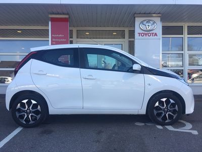 brugt Toyota Aygo 1,0 VVT-I X-play + Connect 72HK 5d
