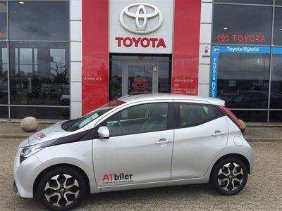 brugt Toyota Aygo 1,0 VVT-I X-play + Go-pakke + Connect 72HK 5d